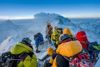 特集ギャラリー:エベレスト 世界一高い気象観測所 写真と図解6点(2020年7月号)