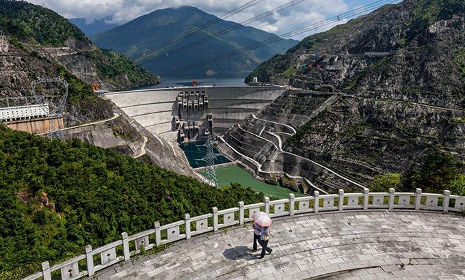 ダム建設に揺れるメコン川