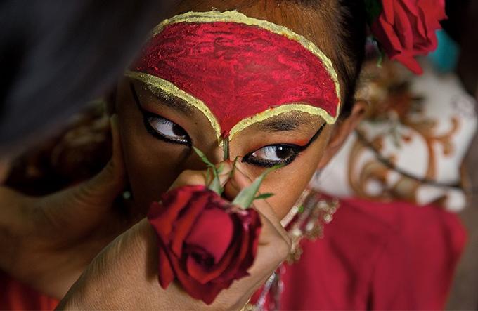 クマリ ネパールの生きた女神