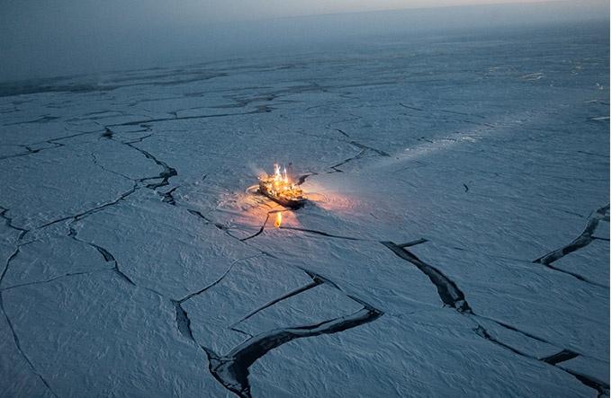 気候変動 瀬戸際の地球 薄氷の北極海へ