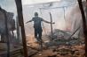 2014年、首都バンギを一時占領していたイスラム教徒の反政府勢力に対し、キリスト教徒の武装集団が反撃に出た。この地区も戦いに巻き込まれ、多くの家が焼け落ちた。過去4年間にわたって、中央アフリカの多くの地域で混乱が続いている。