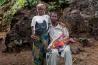 シエラレオネでは、親が子どもの結婚相手を決めるのが一般的だ。首都フリータウンに住む17歳のベイビーと48歳のクロードは、エボラ危機のさなかに結婚。息子を無事に産むため、ベイビーは帝王切開が必要だった。