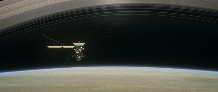 土星の環から「雨」が降っていた、予想外の事実も