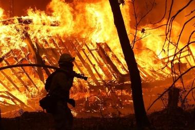 【ニュース】最悪の山火事は、いかにカリフォルニアを襲ったか