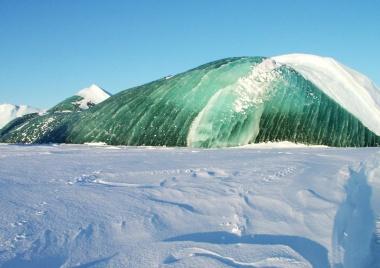 【ニュース】「エメラルド氷山」の色の謎、ついに解明か