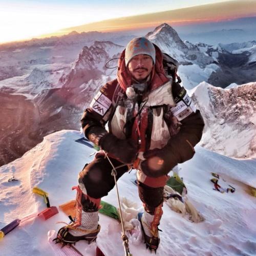 型破り登山家、1カ月で6つの8000m峰に登頂成功 | ナショナルジオ ...