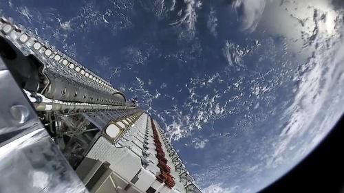 スペースXのスターリンク計画 天文学者は不安の声