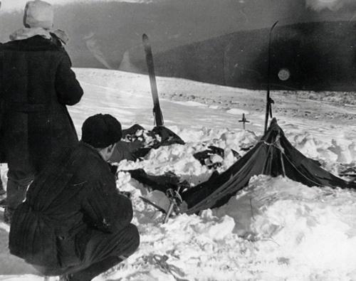 9人が怪死「ディアトロフ峠事件」の真相を科学的に解明か | ナショナルジオグラフィック日本版サイト