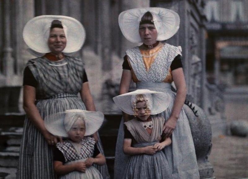 【ギャラリー】100年前の写真で見る世界の民族衣装、帽子をかぶる人々 写真45点(写真クリックでギャラリーページへ)