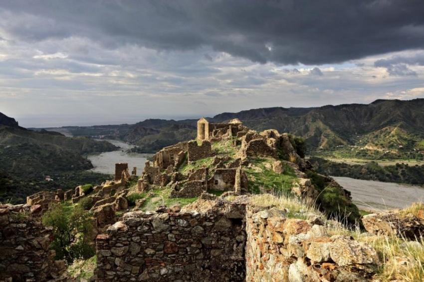 【ギャラリー】時間が止まったイタリアの廃村 写真19点(写真クリックでギャラリーページへ)