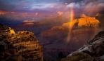 グランドキャニオンにかかる虹
