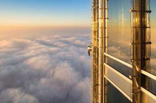 雲の上で窓拭き