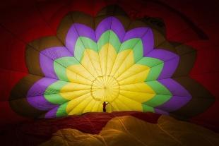 離陸前の熱気球