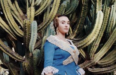 【Photo Stories】スペインの火祭りを彩る、華やかな民族衣装を着た女性たち 写真14点