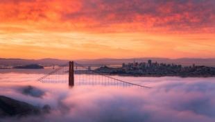 夜明けのゴールデンゲートブリッジ