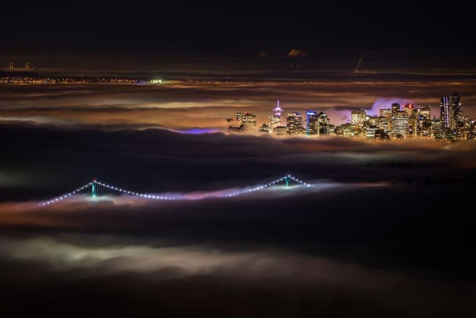 霧のバンクーバー