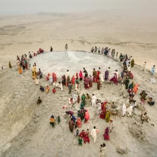 ムスリムの国のヒンドゥー教徒、泥火山の聖地巡礼 写真28点