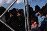 今後の処遇にまだ答えなし 難民キャンプで暮らすIS戦闘員の妻と子 写真13点