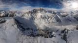 レア写真:世界最高峰エベレストの威容、空からパノラマ撮影