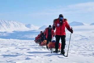 冒険家と挑んだ北極600キロ、芸大生の彼女は何を体験したか? 写真21点