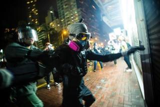 香港デモ半年、日本人写真家が見た若者たちの抗議