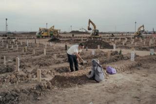 コロナ感染爆発、インドネシアの1日の死者数が世界最多に 写真14点