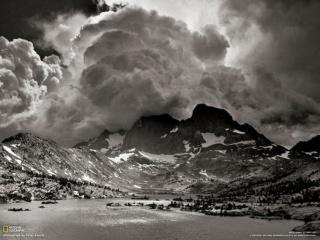 シエラネバダ 4 「ガーネット湖」