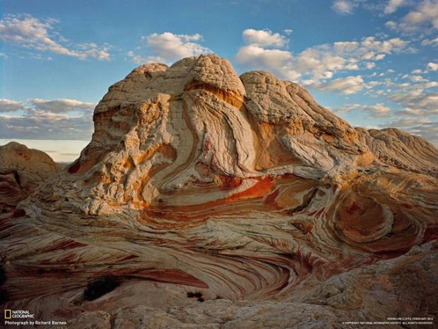 バーミリオン・クリフ 4 砂岩層が描く模様
