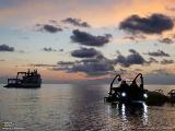 一日の探査を終えた潜水艇「ディープシー」