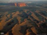 ウルルと呼ばれる岩山(オーストラリア)