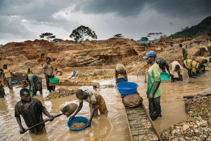 [目撃する/WITNESS]暴力が支配するコンゴの鉱山