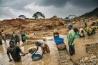 紛争地の鉱物で最も利益を生むのは金だ。鉱物と紛争の結びつきを断つ取り組みが始まった2010年以降、スズやタングステン、タンタルの違法取引による利益は65%減った。