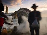 チベット、ポタラ宮の夜明け