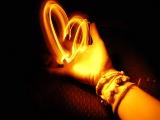光を操る手